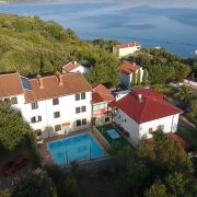 Adria-House, guest house-apartments-rooms