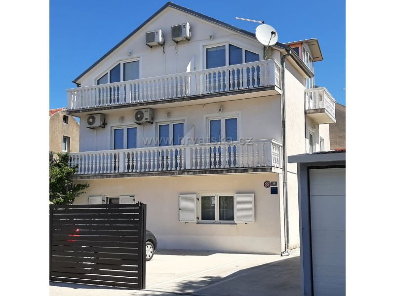 Apartments Jelušić