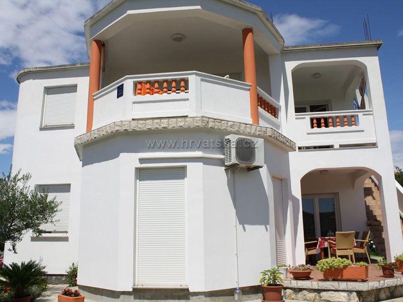 Apartments MIRA
